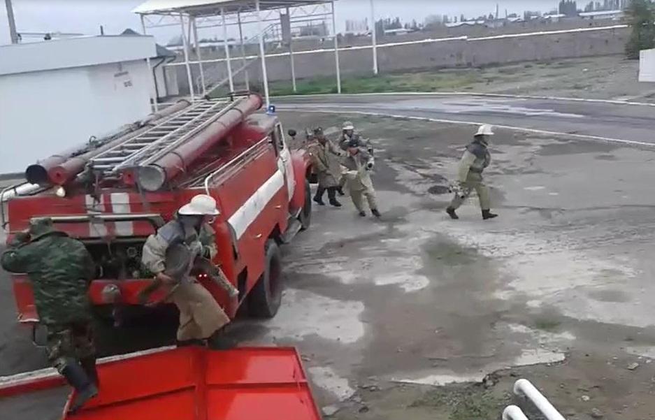 Топливозаправочный комплекс оснащен современной системой пожарной сигнализации. Оборудования пожаротушения отвечают всем требованиям авиационной безопасности. Имеются подземные резервуары для воды (600м3). Проводятся регулярные совместные учения с пожарной службой по ликвидации аварий и пожаров.