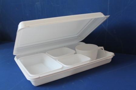 Ланч-бокс в комплекте </br> Комплект: </br>        ланч-бокс, салатница, </br>        2 розетки, кофейная чашка </br> Цена комплекта: 0,6 USD </br> Размер ланч-бокса: 63х180х50 </br> Цвет: белый </br> Упаковка: 300 шт. </br> Цена ланч-бокса: 0,4 USD